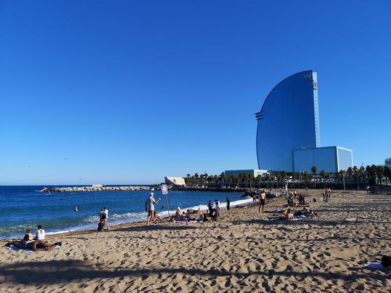 barcelonabeach22 Barcelona-嗨!地中海你好!! 巴塞隆納海岸Platja de la Barceloneta 海天一線超美