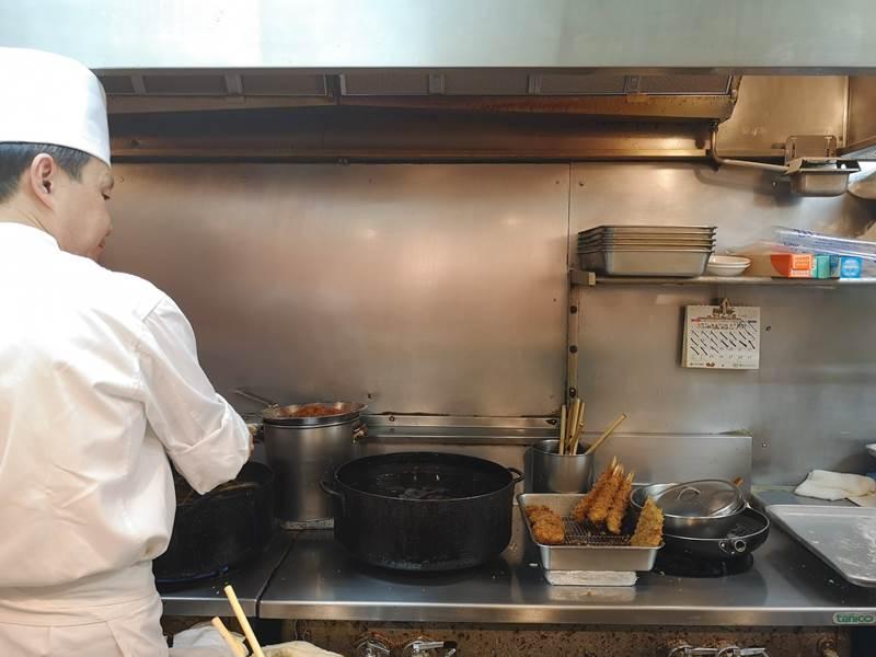 maylinginza05 Ginza-銀座梅林90年老店炸豬排 麵衣酥脆不油膩 豬肉軟嫩有彈性