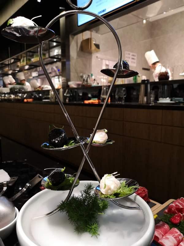 lauking10 Shanghai-撈王 上海外灘店胡椒豬肚雞湯 香濃好喝 暖心也暖胃