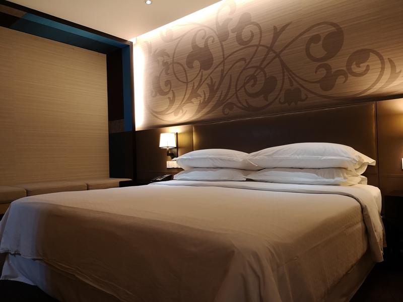 4PBKK17 Bangkok-曼谷Four Points商務飯店(曼谷福朋喜來登酒店-素坤逸15) 套房也簡單舒適