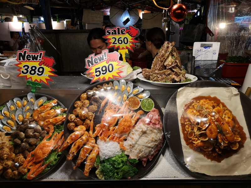 ratchadanightmarket38 Bangkok-拉差達火車夜市Train Night Market Ratchada 交通方便好吃好逛好買