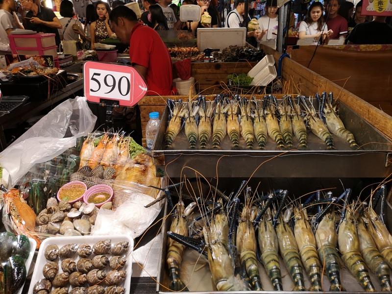 ratchadanightmarket39 Bangkok-拉差達火車夜市Train Night Market Ratchada 交通方便好吃好逛好買