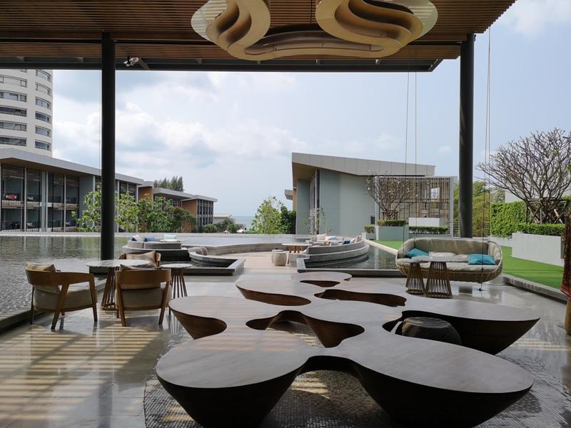 renaissancepattaya6110 Pattaya-Renaissance Pattaya Resort & Spa芭達雅萬麗 悠閒度假無邊際游泳池好舒爽
