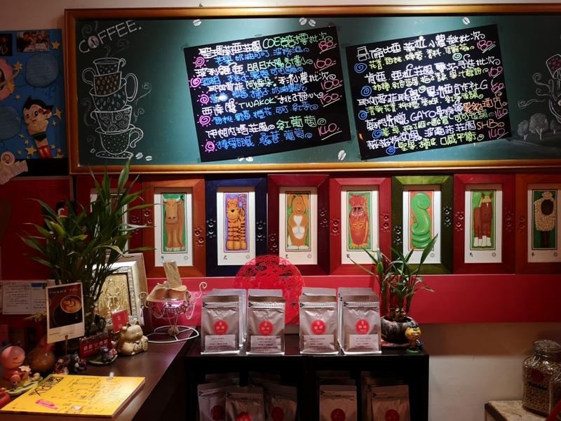 ningcafe02 中壢-甯咖啡 時尚咖啡 大玩偶哆啦A夢做伴