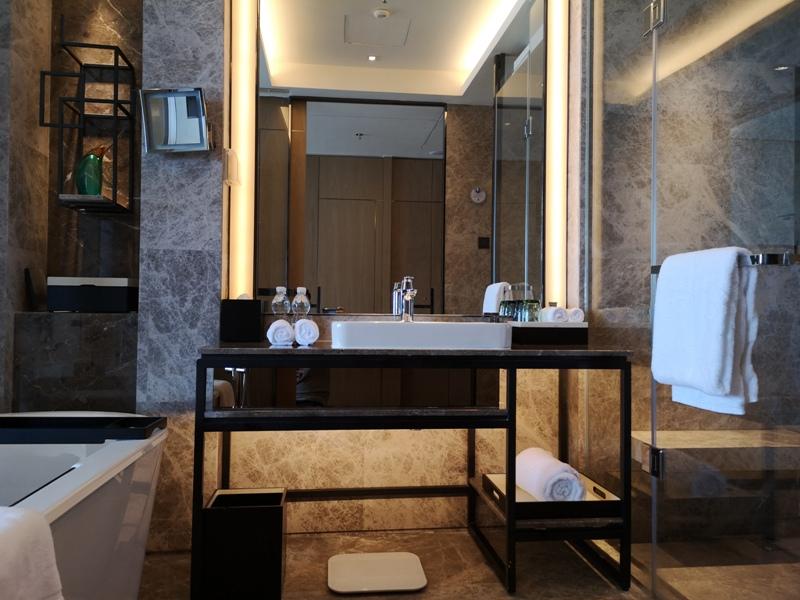 xiamenmarriott29 Xiamen-廈門泰地萬豪酒店 乾淨的發亮的窗戶與地板...新的就是好