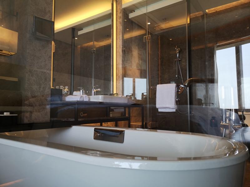xiamenmarriott35 Xiamen-廈門泰地萬豪酒店 乾淨的發亮的窗戶與地板...新的就是好