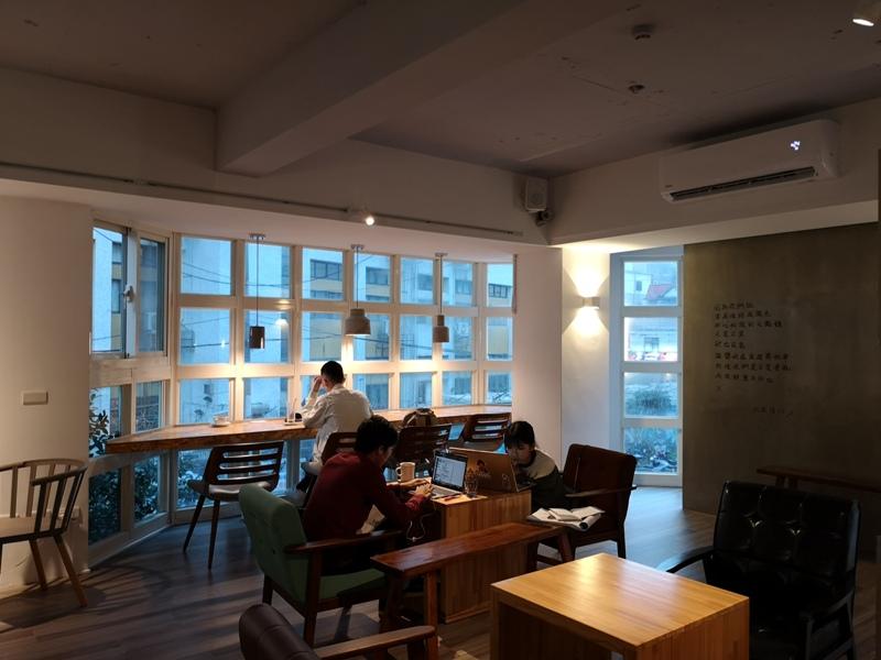 findingaplace06 中壢-找個地方cafe 中原大學旁 鬧中取靜找一個好地方一本書一杯咖啡