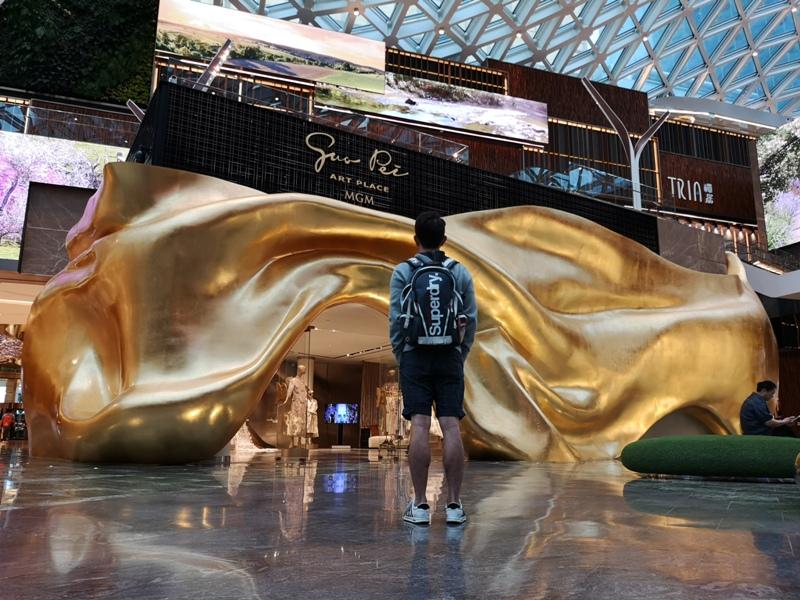 mgm13 Macao-澳門美獅美高梅MGM宛如美術館的購物中心 賭也要賭的優雅