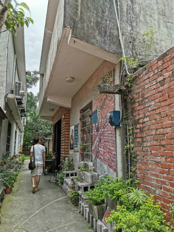 redbrick05 竹北-新瓦屋紅瓦紫藤 在花園也是花園的超綠意咖啡館