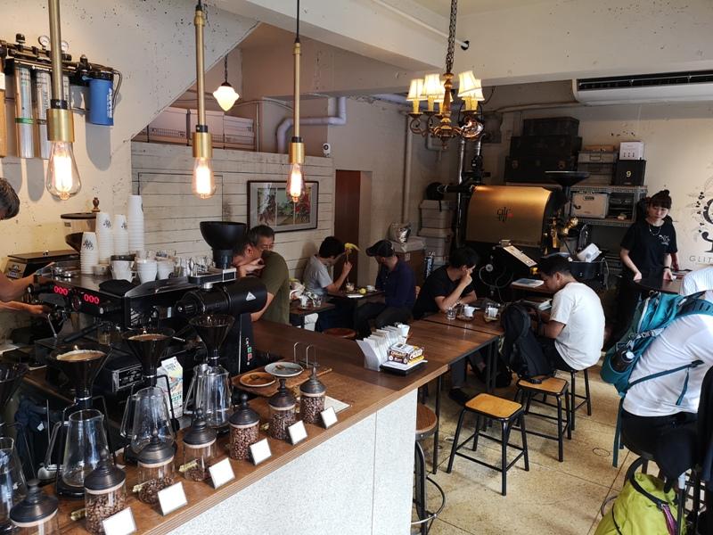glitch04 Kanda-Glitch Coffee & Roasters神保町書店街 一杯咖啡配本書