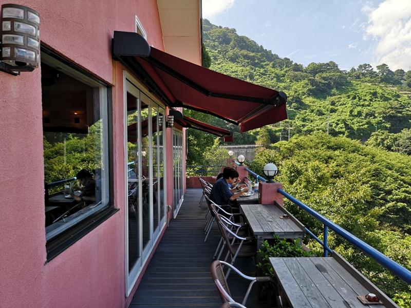 paradisecafe09 Odawara-Paradise Cafe Saddle Back藍天綠樹海景紅瓦屋 江之浦的景觀咖啡