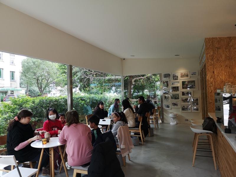 zhaicoffee08 竹北-宅咖啡過日子 滿室綠意玻璃屋概念
