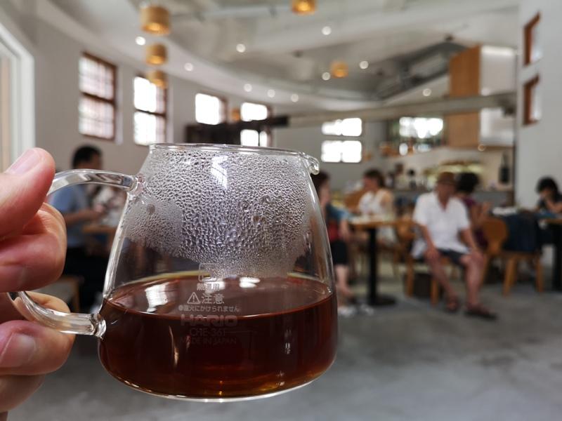 motcafe15 萬華-新富町文化市場老建築舊味道 馬蹄形天井超好拍  順便明日咖啡喝一杯
