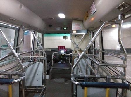 IMAG7627 HK-機場快線免費接駁巴士(香港站)