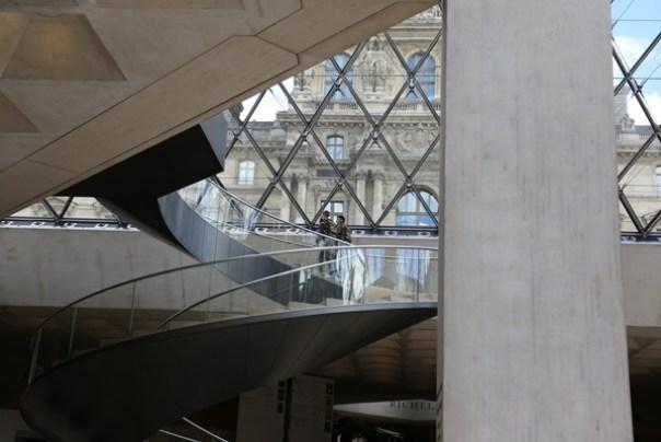 IMG_4547 Paris-巴黎羅浮宮Musee du Louvre 三寶還有勝利女神跟斷臂維納斯