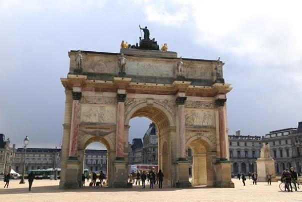 IMG_4557 Paris-巴黎羅浮宮Musee du Louvre 三寶還有勝利女神跟斷臂維納斯