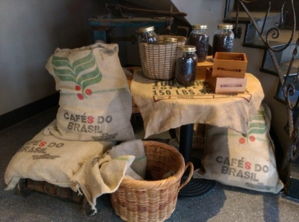 Starbucks12 大同-古蹟遇到星巴克 大稻埕鳳梨大王的家 星巴克保安門市