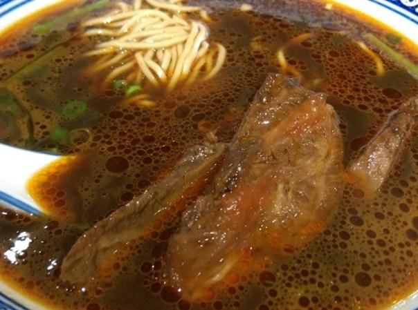 beefnoodles08 新竹-段純貞牛肉麵 牛肉軟硬適中多汁帶Q彈