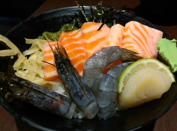 colordon07 中壢-築地鮮魚 Sogo旁 夠意思的三色丼