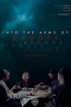Portada Into the Arms of Danger