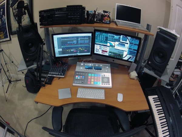 In Studio With Lars Behrenroth - Traxsource
