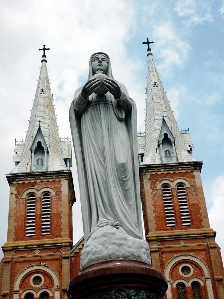 Resultado de imagen de Virgen de la Paz. Ho-chi-minh