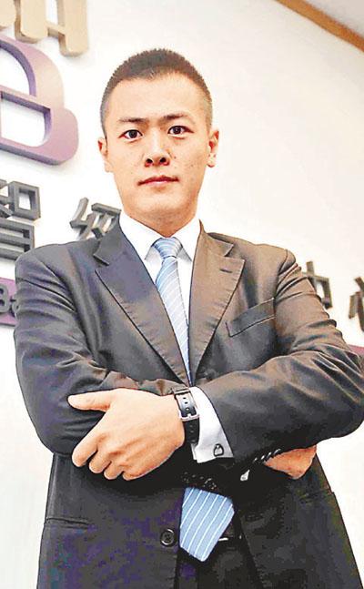 劉嗚煒年輕務實 月底接掌青委會 - 香港文匯報