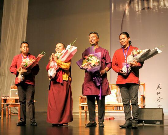 瓊英卓瑪蘭州辦「天地吟空」梵音演唱會 - 香港文匯網