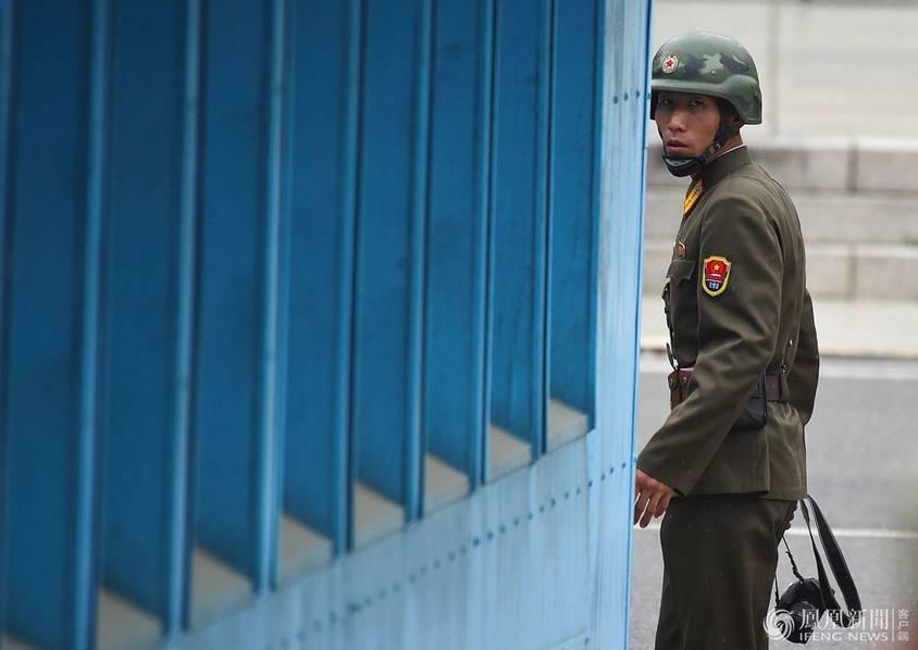 彭斯到訪三八線 朝鮮士兵拿相機做好準備 - 香港文匯網