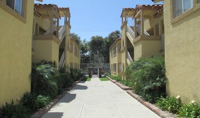 2201222018 Hawaiian Ave  Hawaiian Gardens CA