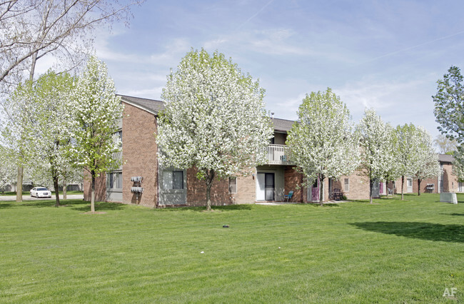 Bradford Square  Clinton Township MI  Apartment Finder