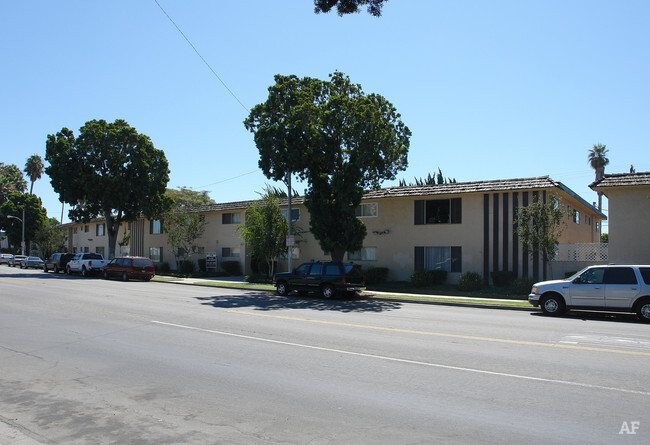 Gemini III Apartments  Oxnard CA  Apartment Finder
