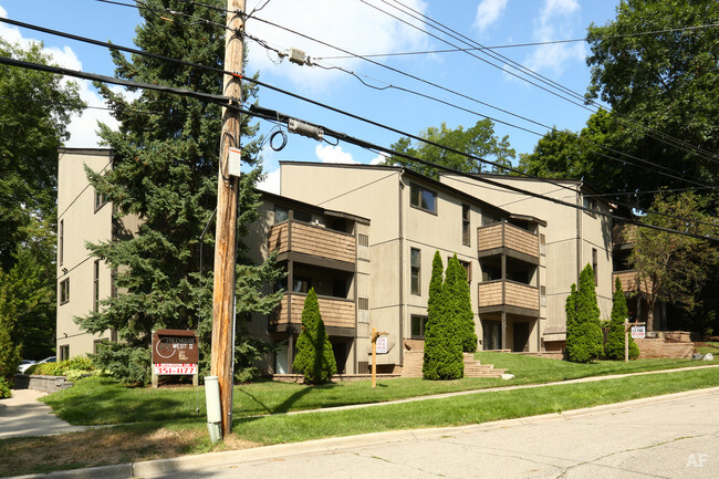 Michigan State University Apartments Off Campus Student Housing