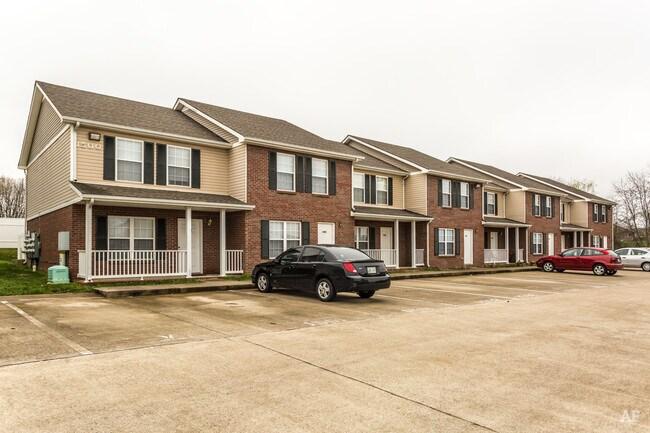 Gateway Village Apartments - Clarksville, TN