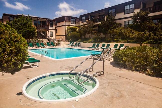 Peppertree Apartments Hermosa Beach