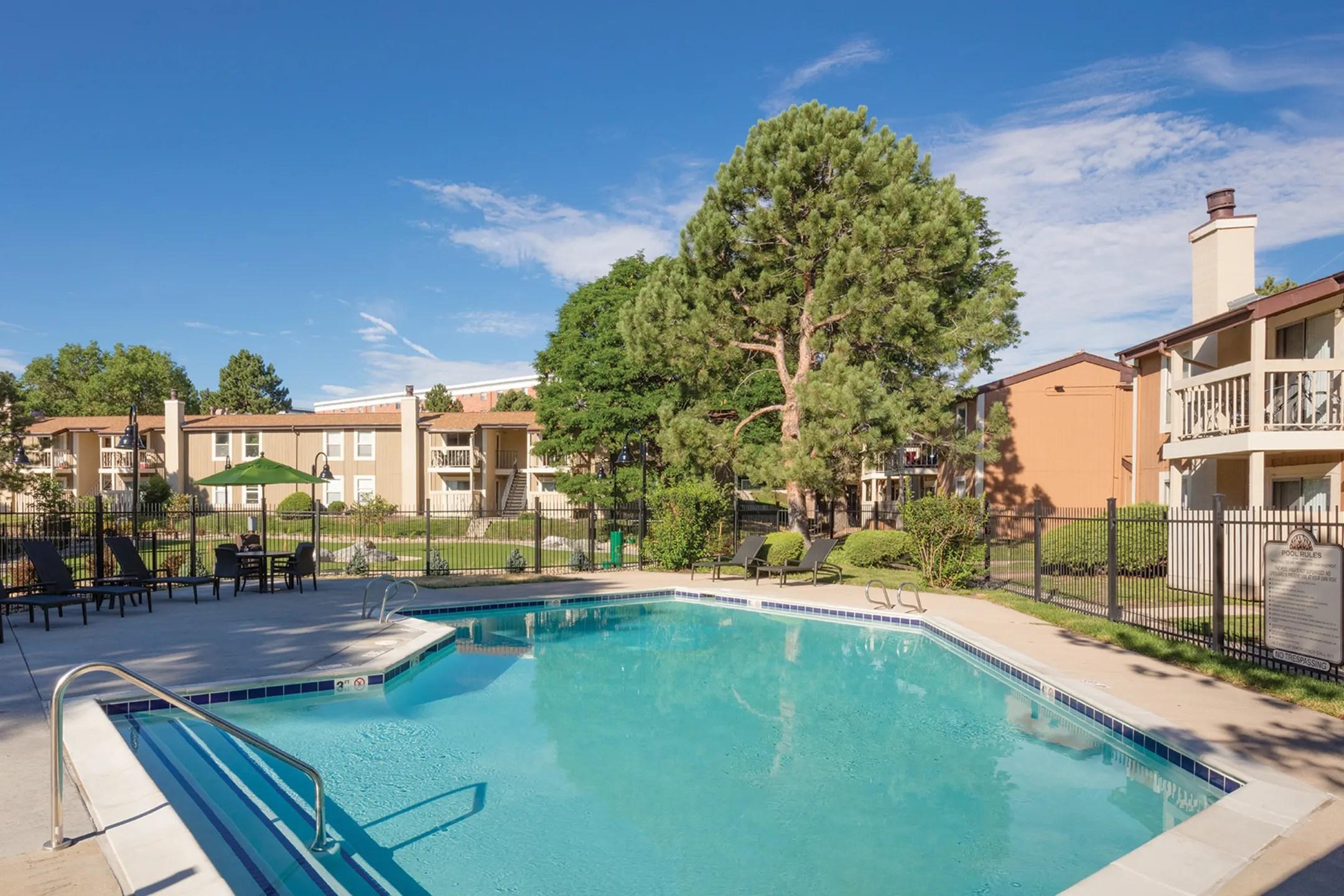 Creekside Apartments  Denver CO 80246