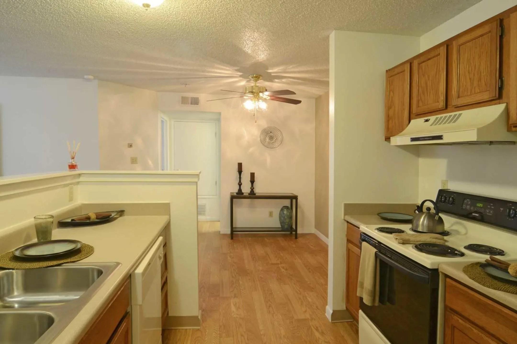 Sunchase Apartments  Albuquerque NM 87109