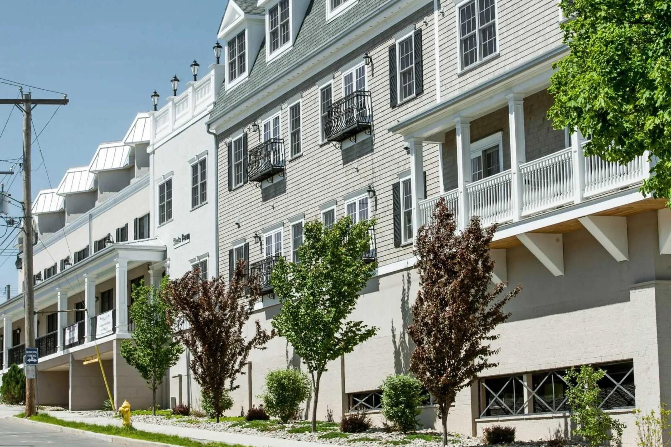 Metro Point Apartments  Milford CT 06460