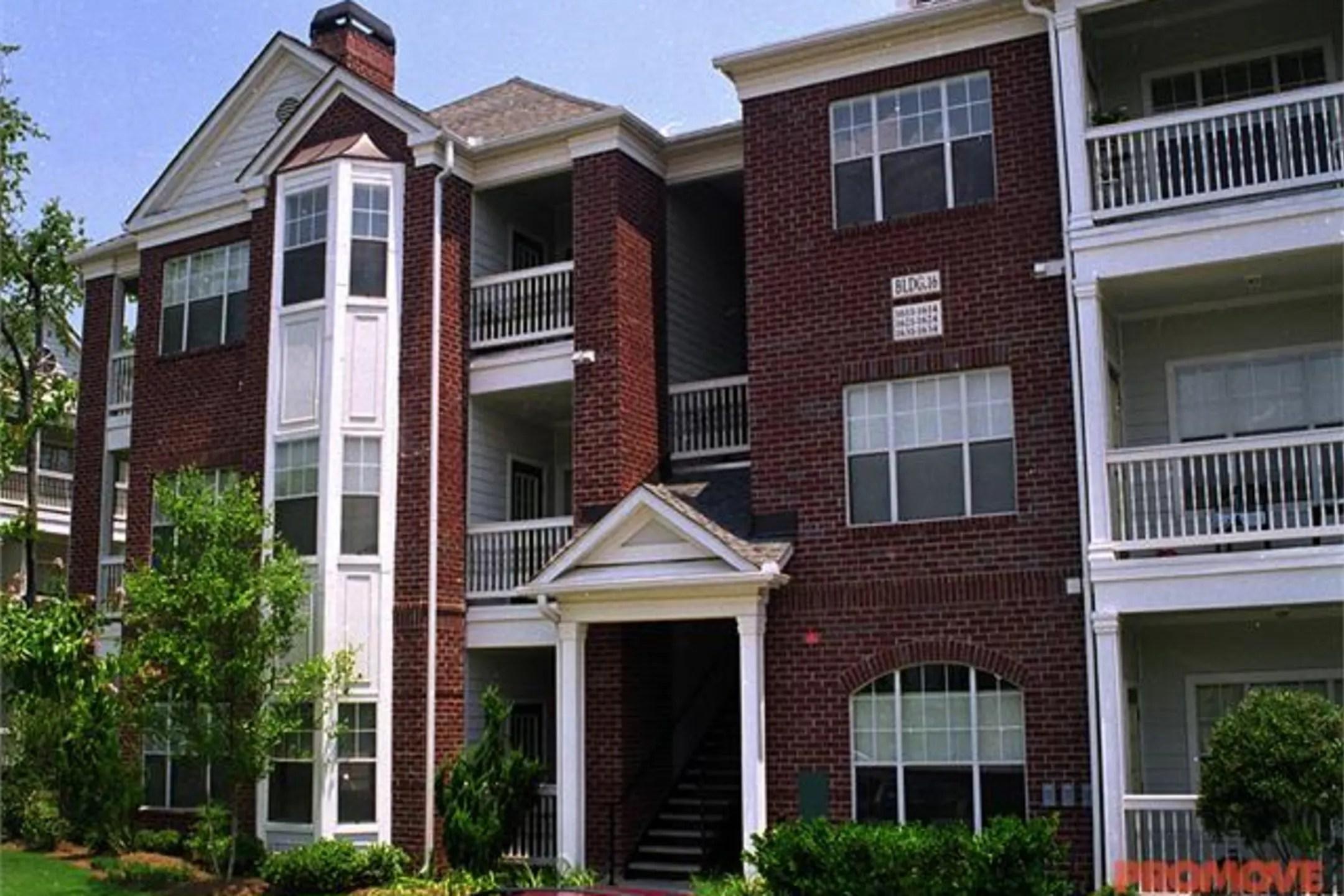 Mount Vernon Flats at the Perimeter Apartments  Atlanta GA 30338