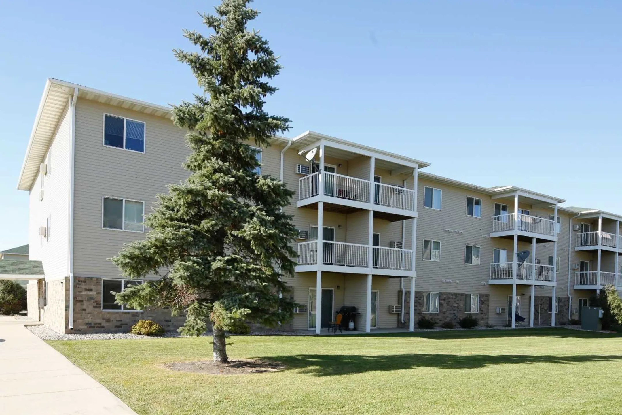 Amber Valley Apartments  Fargo ND 58104