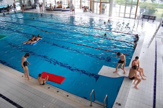 Se rafrachir tout lt  la piscine de Riom  Riom 63200  La Montagne