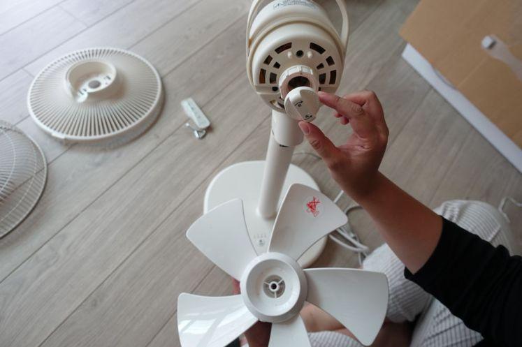 日本 ±0 正負零12吋遙控電風扇開箱 4段風量x定時開關機功能