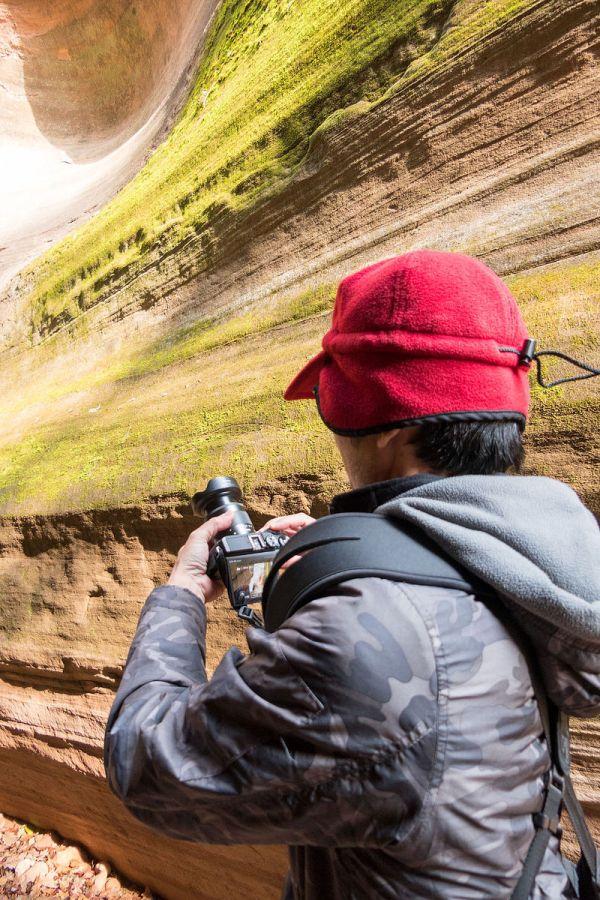 這回在峽谷中拍攝,雖然是大白天,因為狹窄的空間陽光不易進入,時常用到 ISO 3200 來拍攝,即使在這麼高的 ISO 下,畫質表現讓我印象深刻。