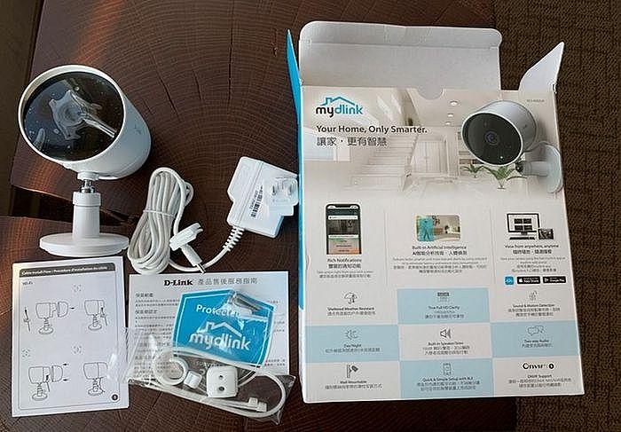 D-Link DCS-8302LH 防潑水AI超廣角攝影機內容物