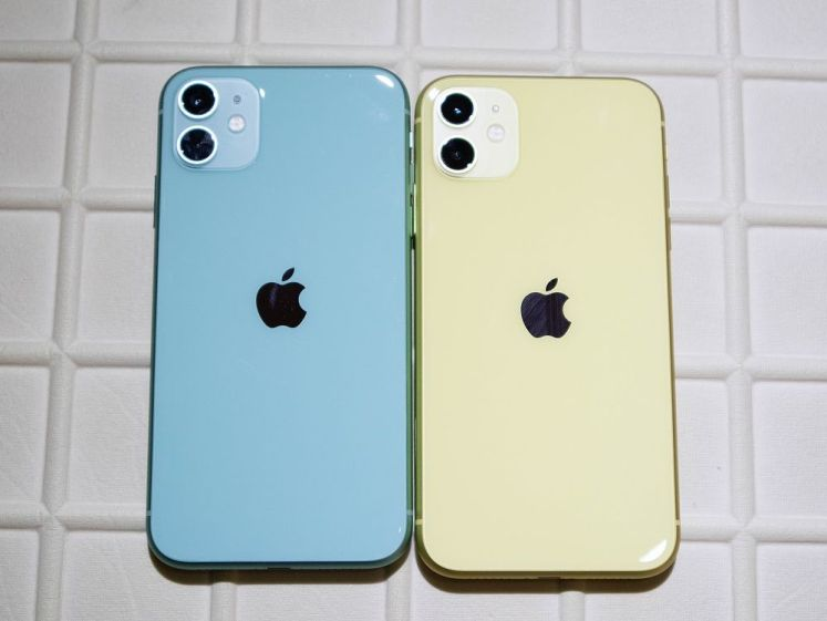 iPhone 11 綠色和黃色