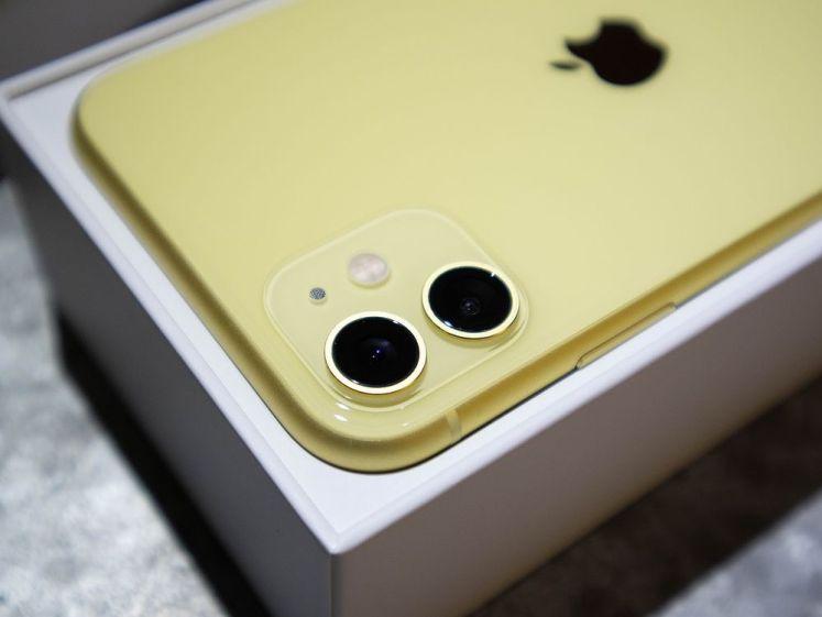 iPhone 11 相機模組