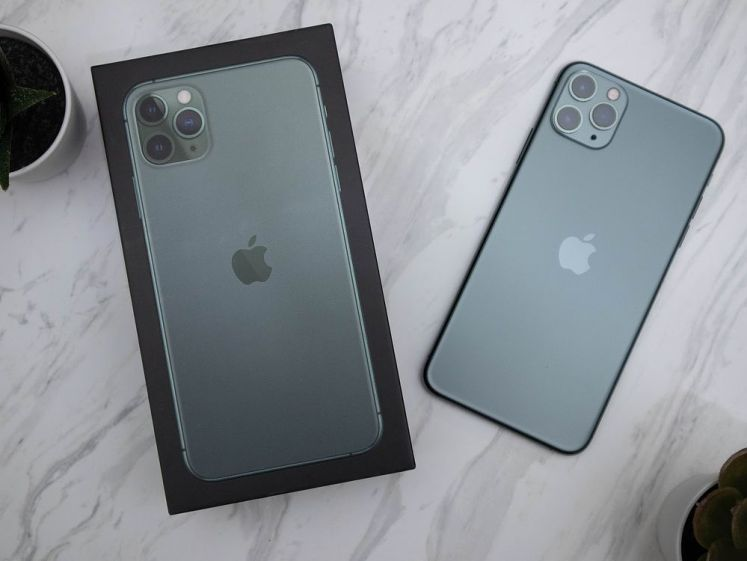 iPhone 11 Pro Max 夜幕綠