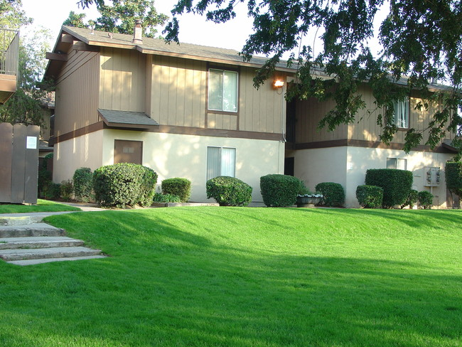 One Bedroom Apartments In Fresno Ca Cedar Woods