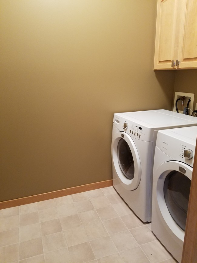 Waterford Residential Apartments  Eau Claire WI  Apartment Finder