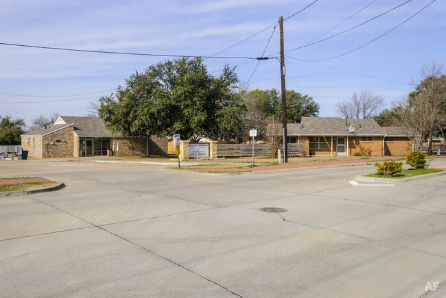 305 N Houston St  Royse City TX  Apartment Finder